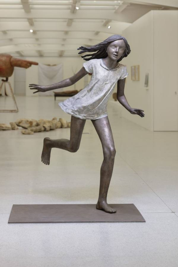 Running girl, 1976, photo Jakub Přecechtěl